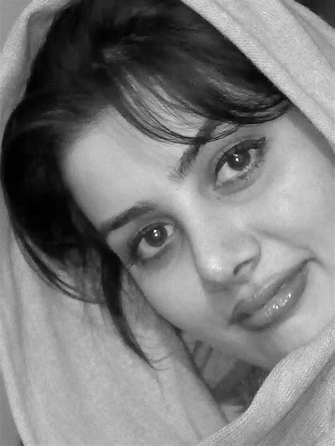 مرجان مهدوی (Author of حوا سرد است)