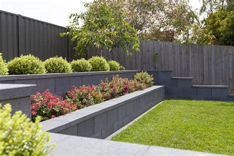 Garden Retaining Wall by Ideas For Retaining Wall Landscaping Bistrodre Porch And