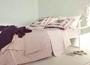 Vert D Eau Couleur : deco chambre couleur peinture vert d eau jete de lit rose ~ Mglfilm.com Idées de Décoration