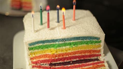 herve cuisine rainbow cake recette du rainbow cake facile expliqu 233 e en vid 233 o