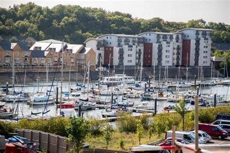 Living On A Boat Cardiff by New Cardiff Bay Neighbours Fulfill A Waterside By