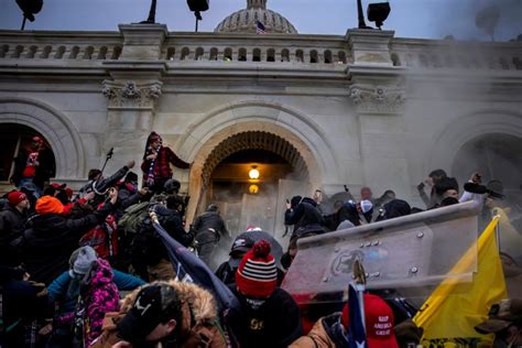 134 Police Officers Assaulted in Capitol Riots, Justice ...