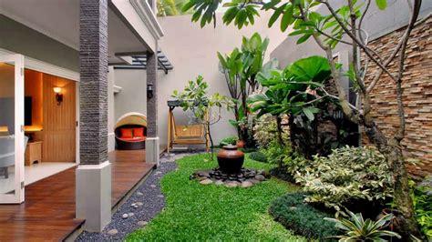 lihat desain taman belakang rumah type youtube kecil
