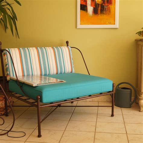 canapé lavable coussin tapissier en tissu avec passepoils fabrication