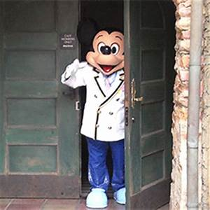 Mickey Mouse GIFs - Find & Share on GIPHY