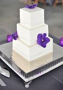 30 Gorgeous Square Wedding Cake Ideas - Weddingomania