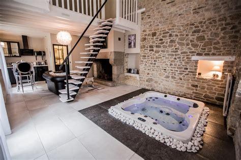chambre jaccuzzi gite avec privatif dans la chambre bain de