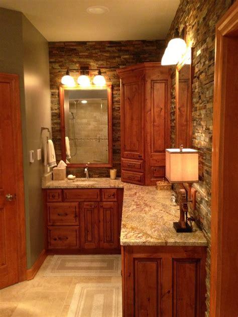 Rustic Bathroom Designs by Best 25 Rustic Master Bathroom Ideas On