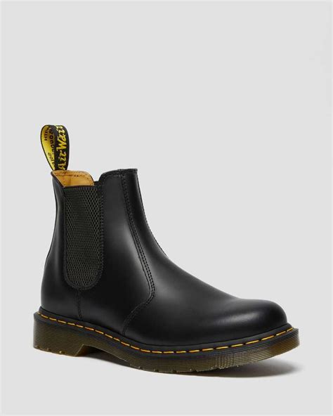 2976 YELLOW STITCH SMOOTH LEATHER CHELSEA BOOTS   Dr ...