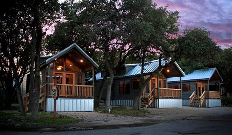 hill country cabins yogi s jellystone park c resort hill country