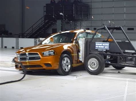 dodge ram  moderate overlap iihs crash test doovi