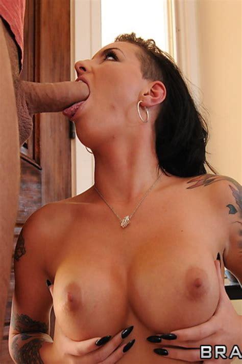 Tattooed Busty Chick Christy Mack Teasing Big Tit Avenue