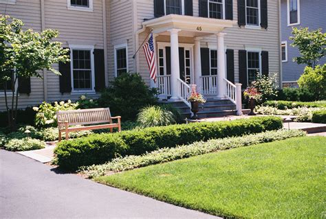 small front yard landscaping ideas townhouse landscaping surprising small backyard landscape ideas for your front yard townhouse garden trends