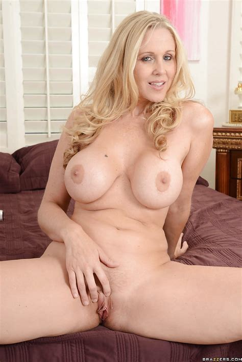 Busty Blonde Milf Julia Ann Stripping And Teasing Her Pink Pussy Pornpics Com