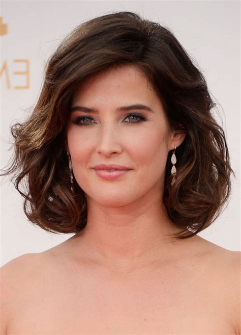 cobie smulders short brown loose wavy curly bob hairstyle