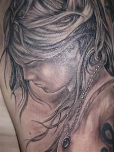 Tattoo Schwarz Weiß : tattoos zum stichwort familie tattoo lass deine tattoos bewerten ~ Frokenaadalensverden.com Haus und Dekorationen