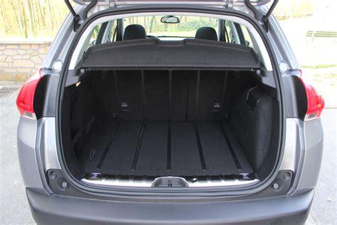 voiture volume coffre 28 images volume coffre tiguan 2012 mouvement uniforme de la voiture