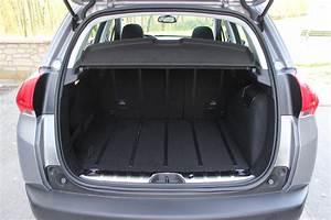 Peugeot 2008 2 : essai peugeot 2008 1 2 puretech 110 pas loin du sans faute ~ Medecine-chirurgie-esthetiques.com Avis de Voitures