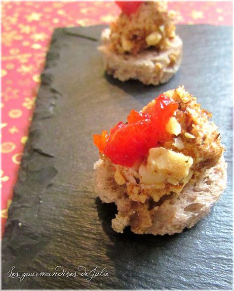 canap駸 au foie gras canapés de foie gras pané aux fruits secs et confiture de piments doux la cuisine