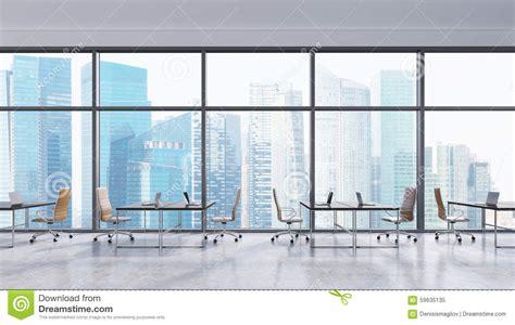 lieux de travail dans un bureau panoramique moderne vue