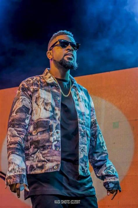 Photos: Fancy Gadam aided by Sarkodie thrill thousands at ...