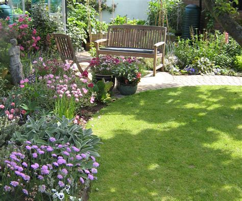 christine lees garden design  garden  bedfordshire