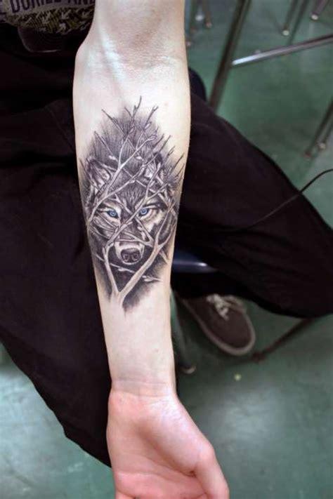 wolf tattoo wrist ideas yo tattoo