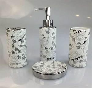 Badezimmer Set Seifenspender : 4tlg porzellan badset badezimmer bad set seifenspender wc 14 99 eur ~ Sanjose-hotels-ca.com Haus und Dekorationen