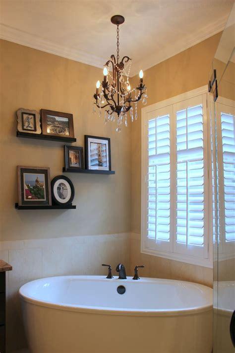 ideas for tiny bathrooms best 25 bathroom chandelier ideas on master