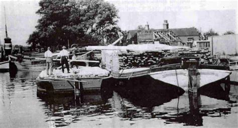 Heybridge Basin Boat Yard by Coate S Cuttings Chelmer Canal Trust Newsletter Issue 29