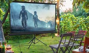 Top 10 Best Outdoor Projector Screens In 2020 Reviews I Guide