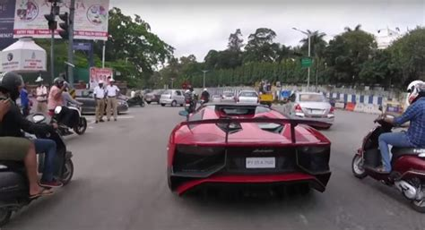 lamborghini aventador sv roadster price in india bikers chase lamborghini aventador sv roadster what the owner did next will surprise you