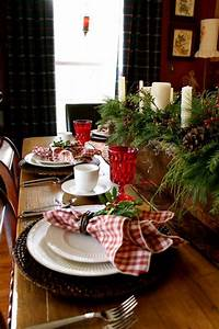 Tischdekoration Zu Weihnachten : ideen f r weihnachtliche dekoration mit tannenzweigen ~ Michelbontemps.com Haus und Dekorationen