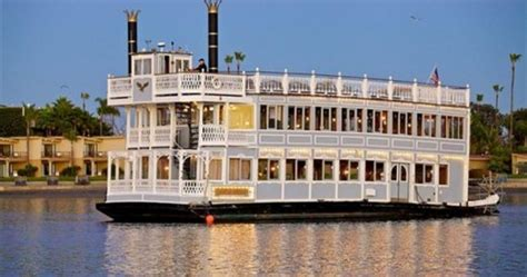 Catamaran Hotel Bahia Belle by The Life Aquatic On San Diego S Mission Bay