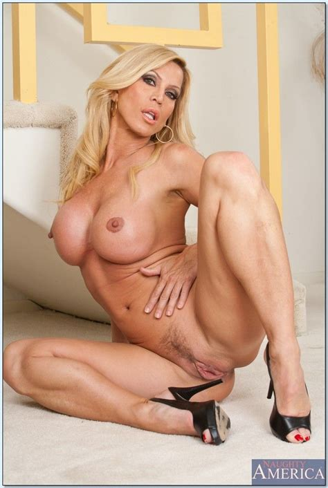 Amber Lynn My Friends Hot Mom 3891