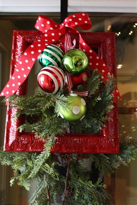 green christmas decorating ideas traditional christmas decor in red and green the xerxes