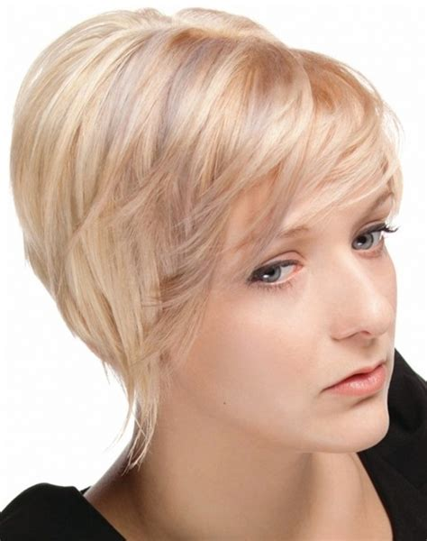 These are praised by many ladies for their versatility and easy maintenance since the length is appropriate for both wearing the hair loose and creating various updos. 20 Layered Hairstyles for Short Hair - PoPular Haircuts