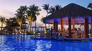 A New Beach Club in San Juan