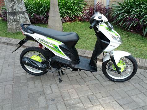 Modifikasi Motor Beat Putih by Motor Beat Modifikasi Honda Icon Gaya Thailand Look