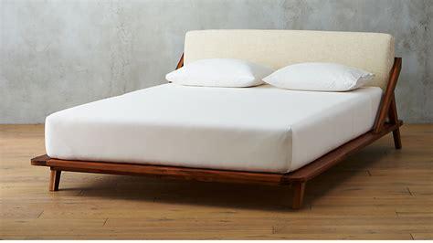 drommen wooden bed cb
