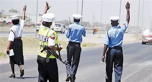 KENYA: Police officers arrested for extortion in Eastleigh