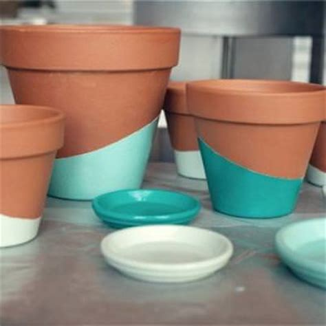 color dipped planting pots gardening decor tip junkie
