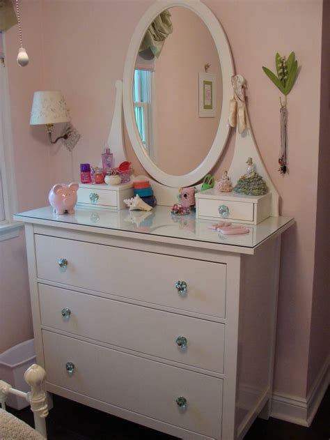 bedroom vanity with mirror ikea 17 best images about mirror dressers on