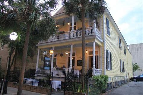 Porch Restaurant Charleston Sc by Poogan S Porch Most Haunted Restaurant In Charleston