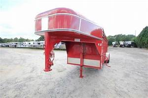 Used Calico Stock Trailer Gooseneck Stock Trailer    Dixie Horse  U0026 Mule Co