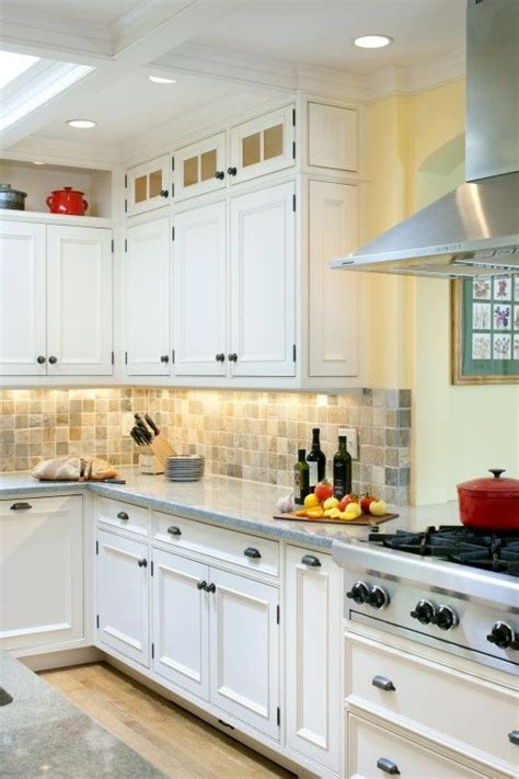 cabinet lighting makes all the difference kitchens decorating ideas kitchen decor