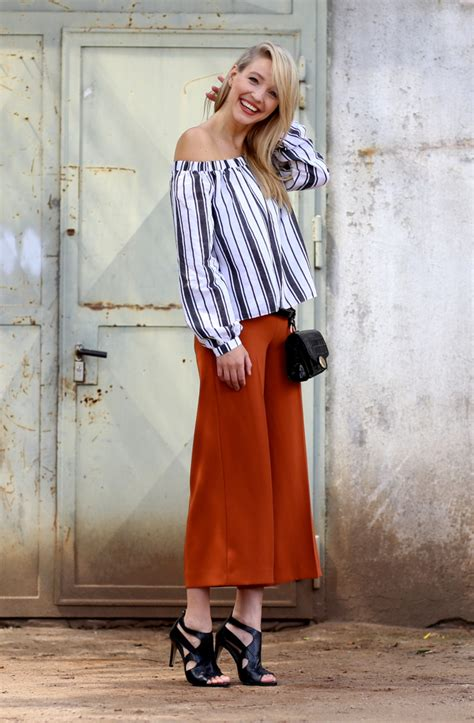 rust colored culottes stripes leonie hanne haute couture