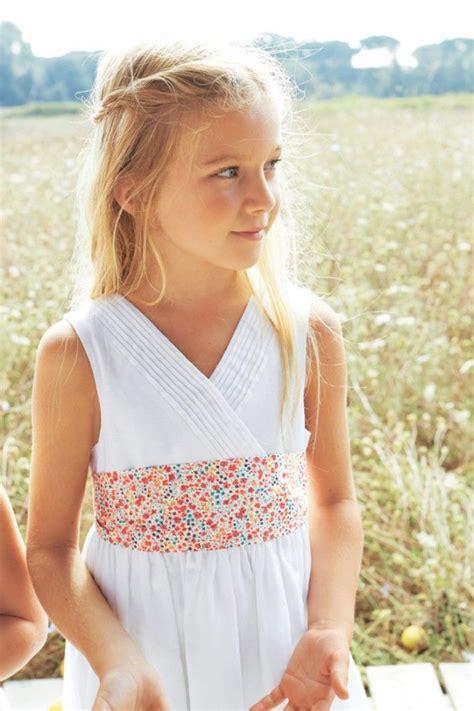 robes de chambre enfants les 25 meilleures idées de la catégorie robes d 39 enfant d