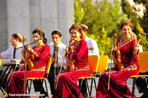 Turkmen people, Photogallery of Turkmenistan, Tours to ...