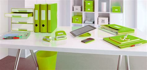le de bureau vert anis idée déco au bureau misez sur l harmonie des couleurs